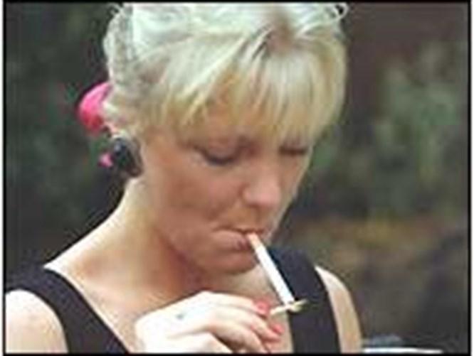 Sigara erken menepoza neden oluyor